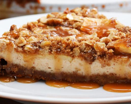 karamel-apfelkrümmel-cheesecake