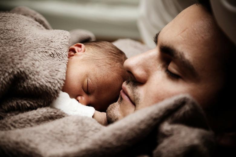 Babys zuerst Papa sagen