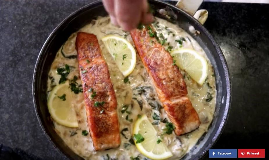 Lachs in cremiger Spinat-Champignonsoße
