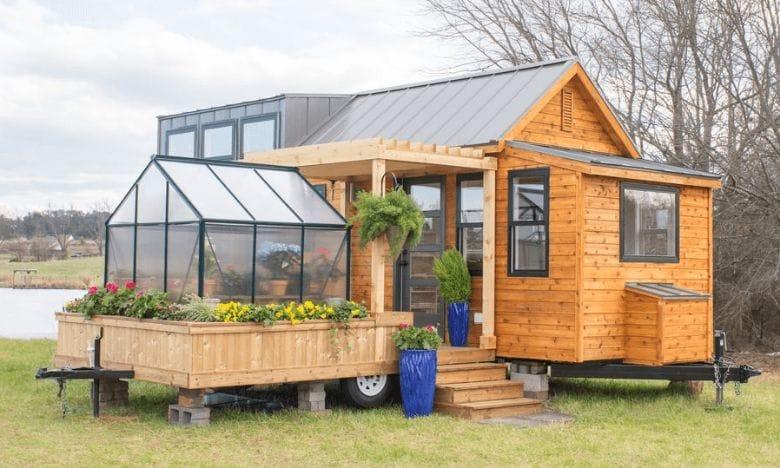 Miniatur-Haus mit Wintergarten